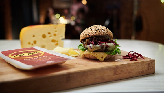 Jarlsberg® Cheeseburgers for foodies Contest